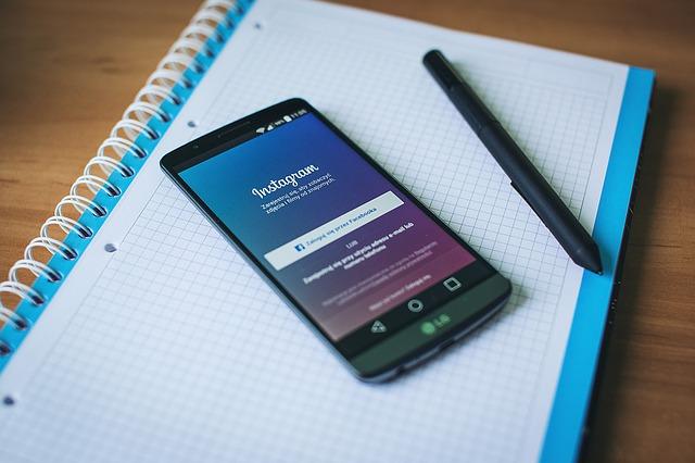 instagram v mobilu